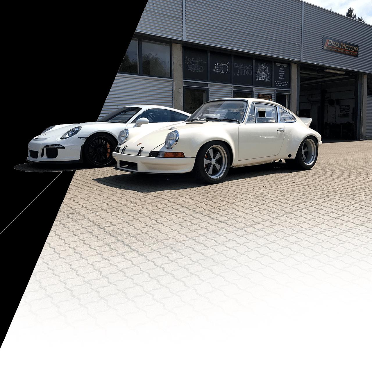 To Porsche modeller udenfor værkstedet